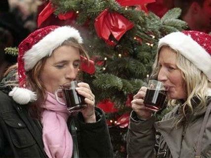 Weihnachten ist Punschzeit - das Auto sollte man nach dem Trinken aber stehen lassen.