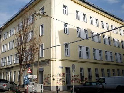 In diesem Haus in Wien-Ottakring wurde am Freitag eine gefesselte Leiche gefunden.