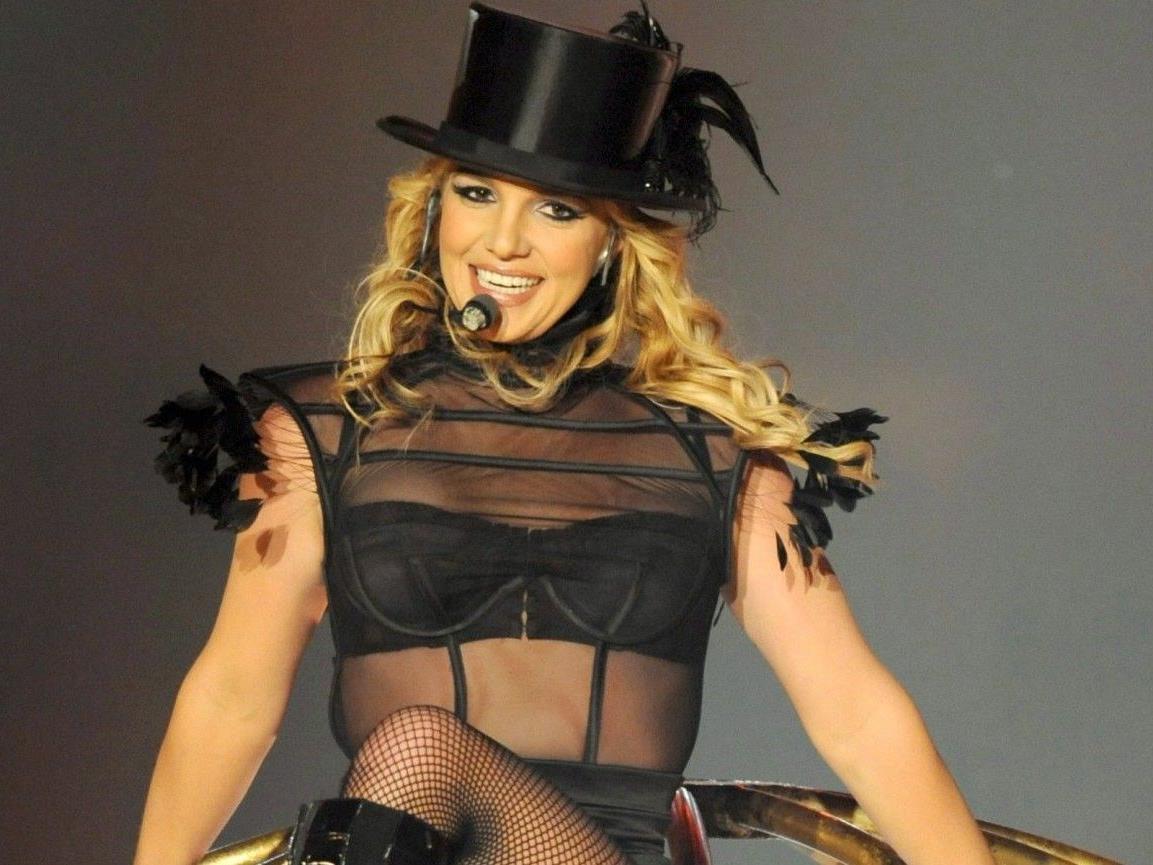 Britney Spears soll eine Affäre mit Christopher Federline, dem Bruder ihres Ex-Mannes, gehabt haben sollen.