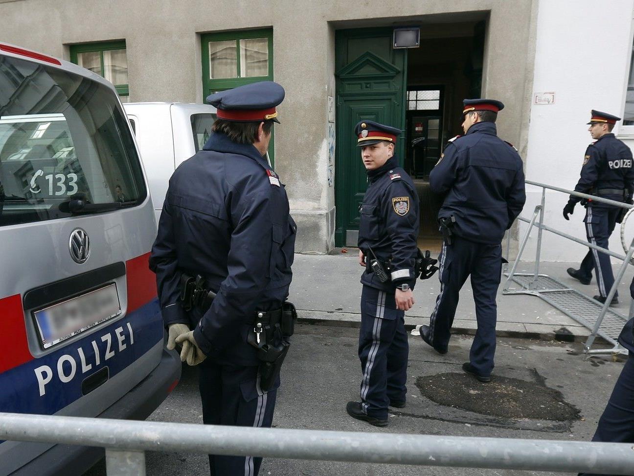 Im März wurde eine tobende Frau in Wien-Fünfhaus von Polizisten niedergeschossen.