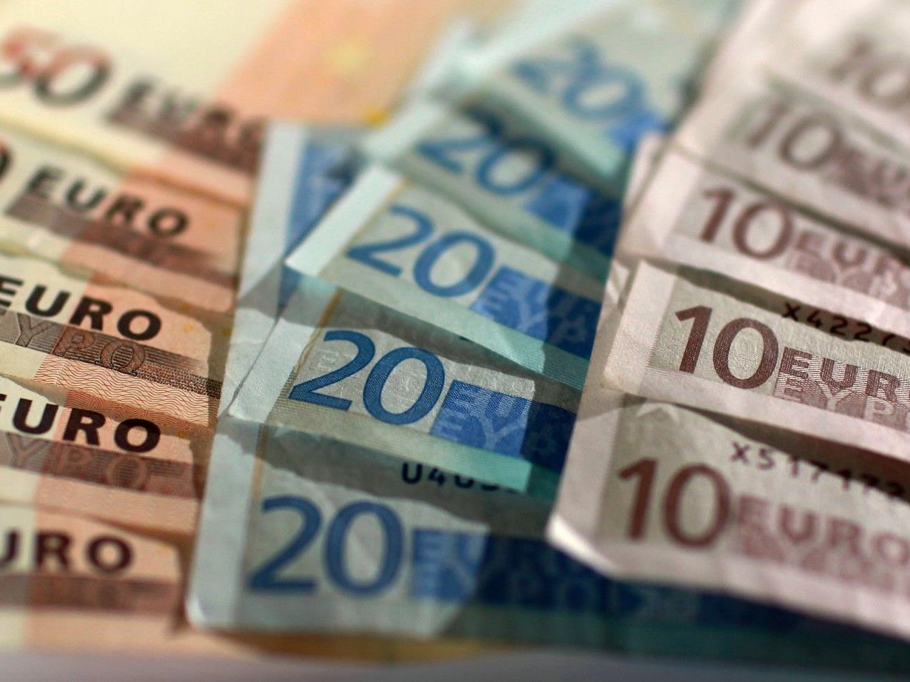 Pensionistin vergaß ihre gesamten Ersparnisse in Wiener Bus.