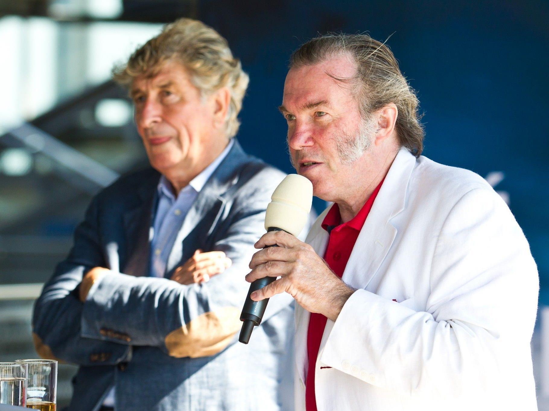 Der Ex-Festspiele-Präsident Günter Rhomberg (l.) und Intendant David Pountney bei einer Pressekonferenz im August 2011.