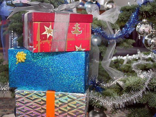 Was unter dem Baum liegt, gefällt nicht immer - doch Weihnachtsgeschenke lassen sich umtauschen