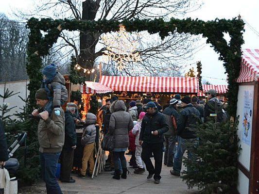 Am Wilhelminenberg gibt es einen kleinen Weihnachtsmarkt - unsere Leserreporterin war da