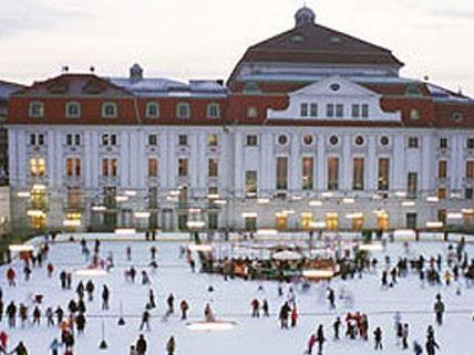 Zu Silvester in Wien spielt das Konzerthaus im Eislaufverein auf.