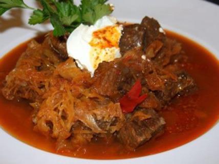 Gulasch ist das wohl bekannteste ungarische Gericht und auch Bestandteil der Wiener Küche.