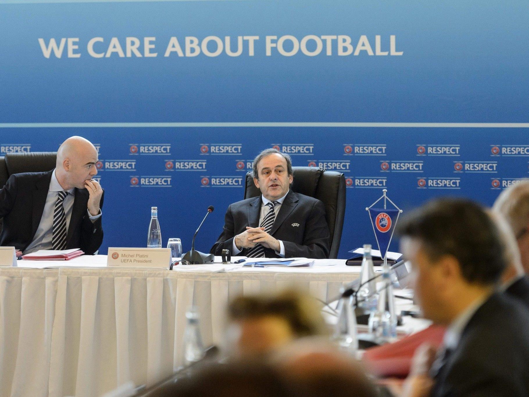 Platini-Vorschlag von Exekutivkomitee angenommen.