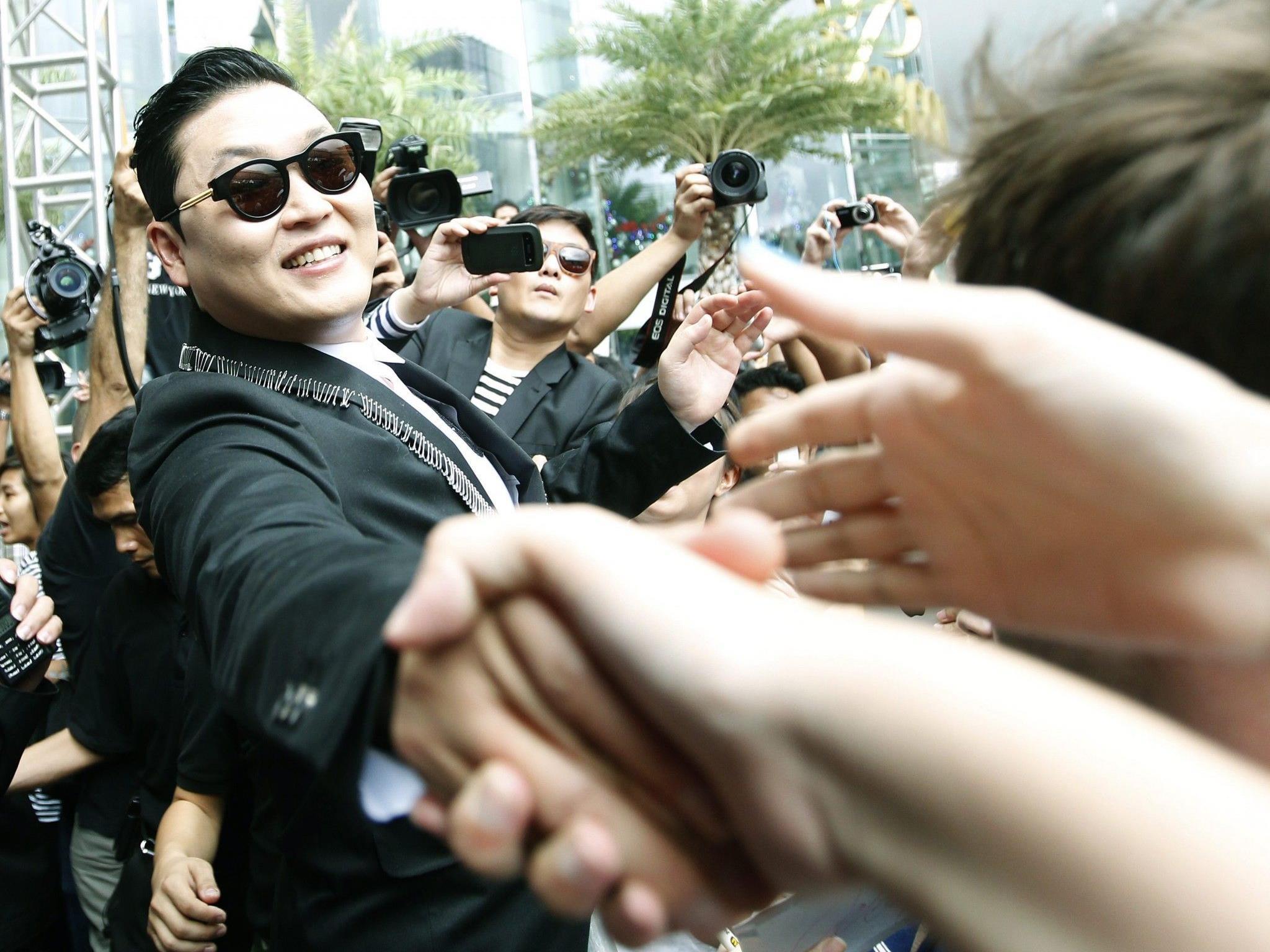 """Psy: Äußerungen seien """"tiefe emotionale Reaktion"""" auf Irak-Krieg gewesen."""