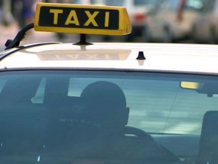 Das Taxi erfasste das Mädchen in Wien-Wieden.