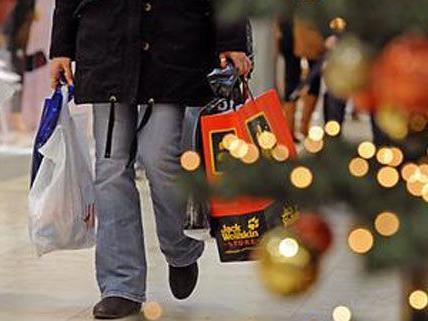 Weil er sein Weihnachtsgeld verloren hatte, täuschte ein 40-Jähriger einen Raub vor.