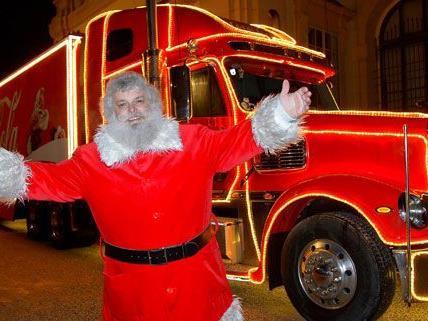 Am Sonntag kamen 6.800 besucher, um in Wien den Weihnachtstruck von Coca-Sola zu sehen.