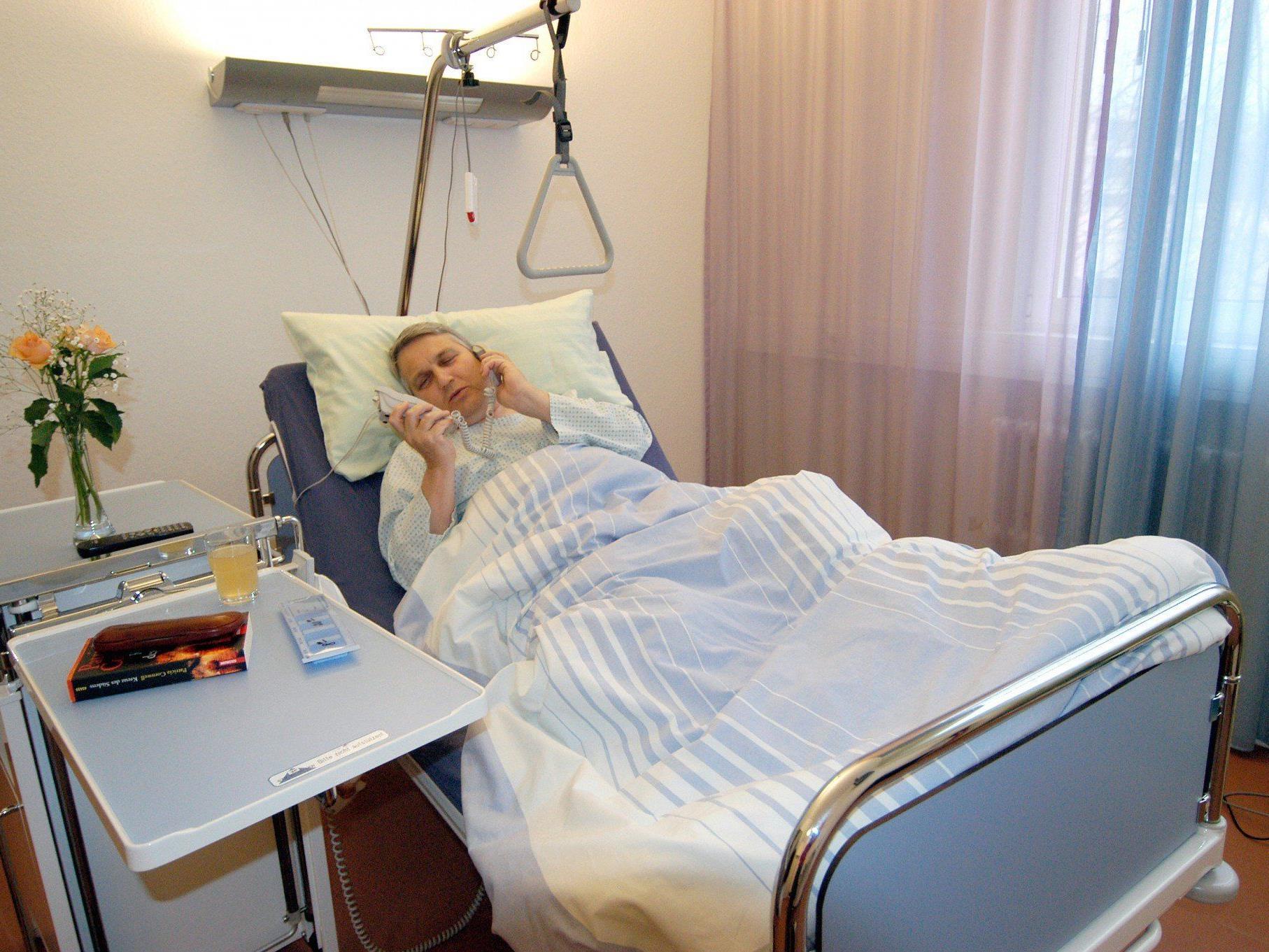 Die hilflose Frau lang zwei Tage lang im Bett.