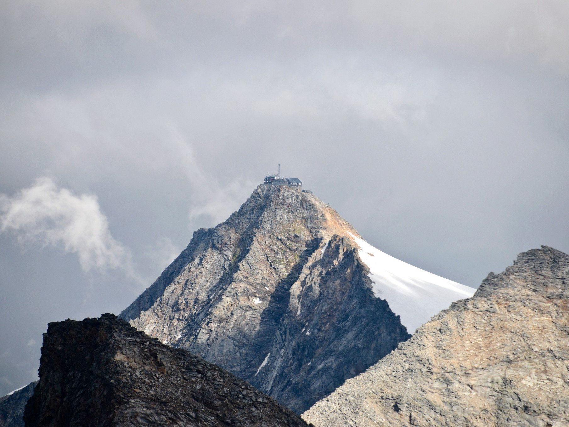 11,90 Meter Schneehöhe wurden am 9. Mai 1944 am Sonnblick in Salzburg gemesen.