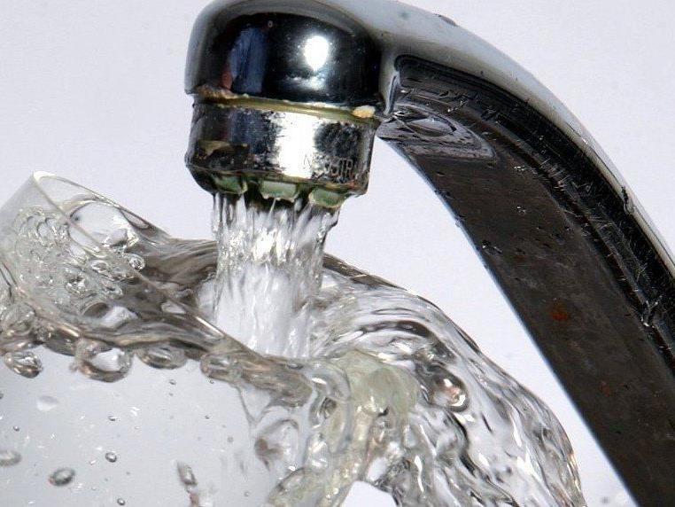 In der Gemeinde Klausen-Leopoldsdorf im Bezirk Baden wurden Fäkalbakterien im Wasser entdeckt.