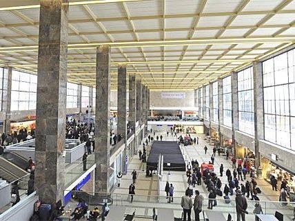 Bub auf Wiener Bahnhof zurückgelassen - Bub kommt zu Familie