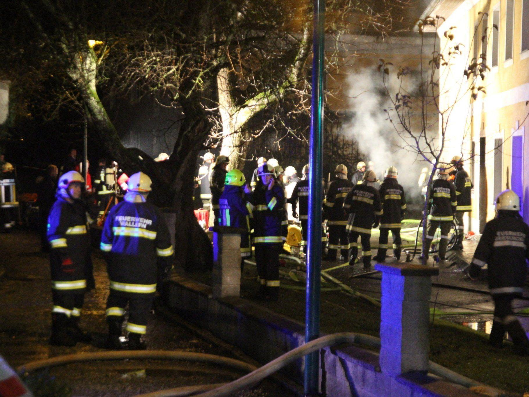 Ein Mann wurde tödlich, neun weitere Menschen unbestimmten Grades verletzt.