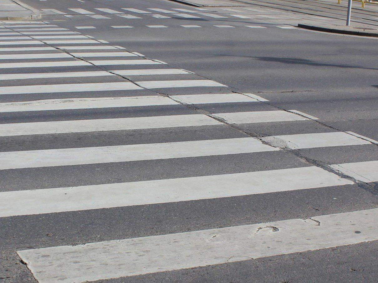 Ein 8-jähriger Bub wurde in Wien-Penzing von einem Auto angefahren.