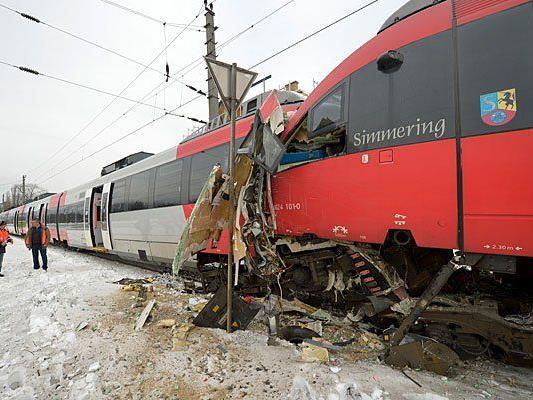Ein verheerendes Bild bot sich nach dem Zusammenstoß der beiden Züge der Linie S45