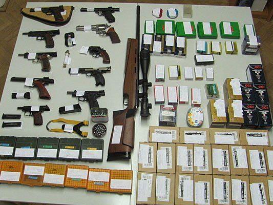 Dieses Waffenlager wurde in Perchtoldsdorf entdeckt