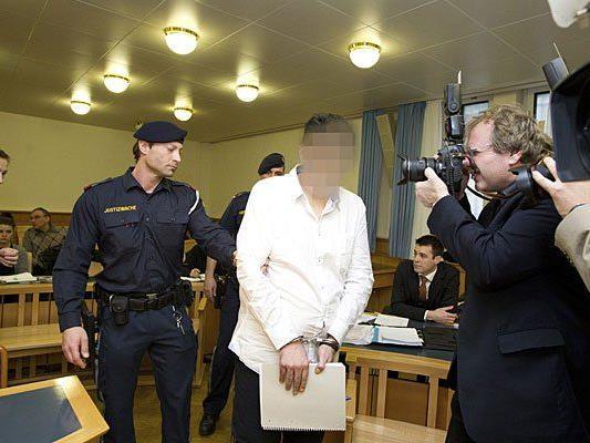 Der Angeklagte im Wienerwald-Mord in Wien vor Gericht