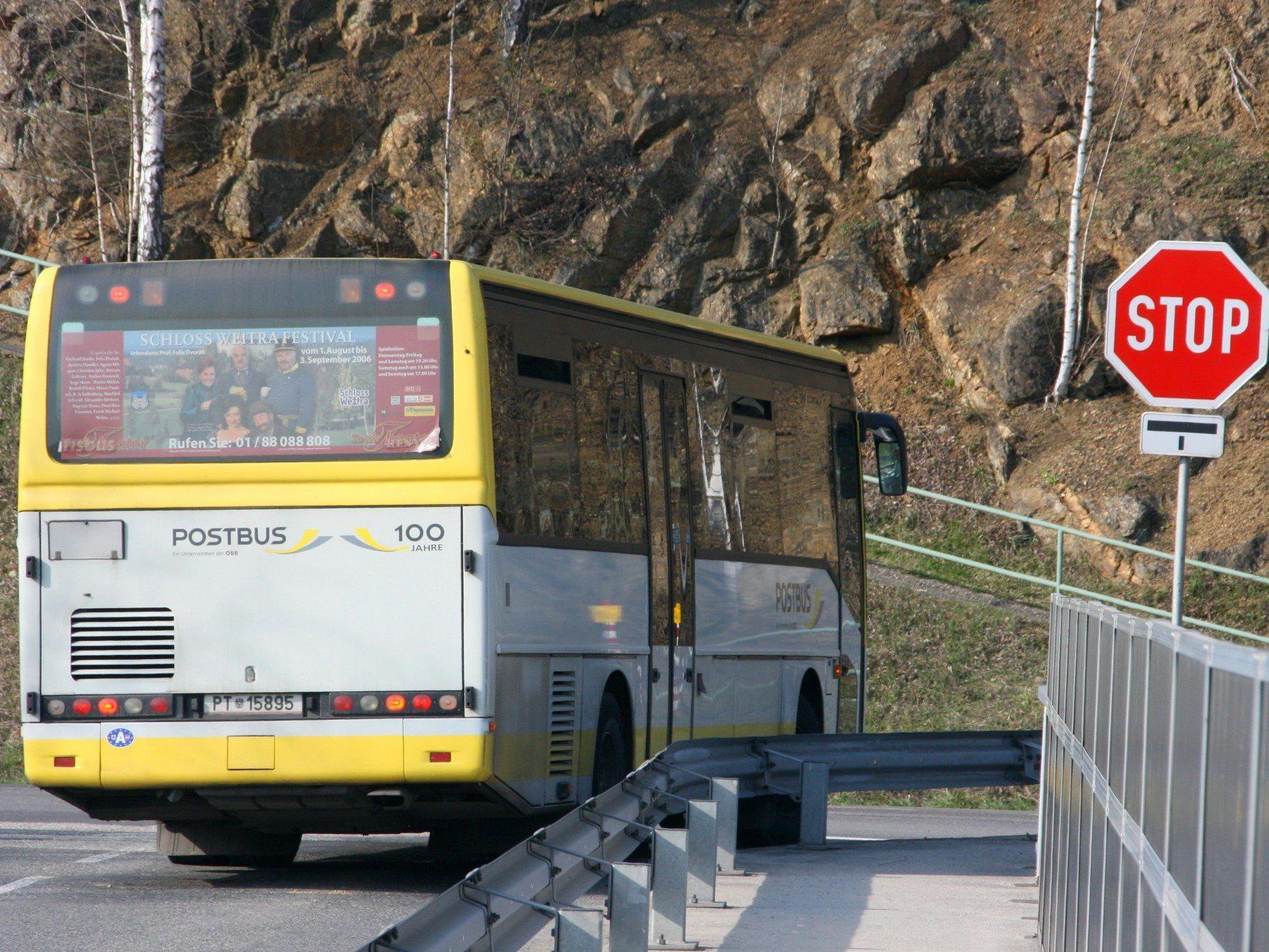 Etwa eine Stunde lang waren die elf Businsassen eingeschlossen.