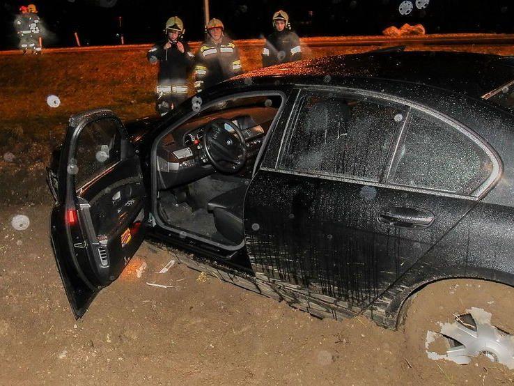 Das schwerbeschädigte Fahrzeug wurde seinem Besitzer wieder übergeben, so die Polizei.