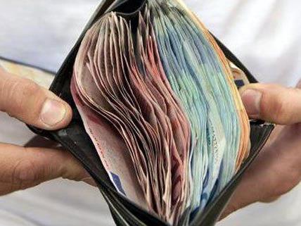 Mehrere Geldbörsen soll ein Wiener gestohlen haben, jetzt wurde er festgenommen.