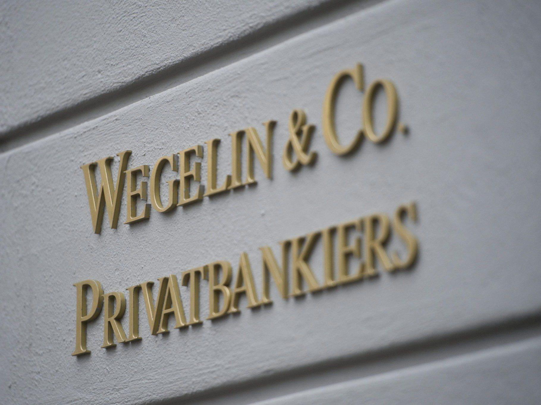Raiffeisen Bank führt lukratives Privatkundengeschäft von Wegelin unter dem Namen Notenstein-Bank.