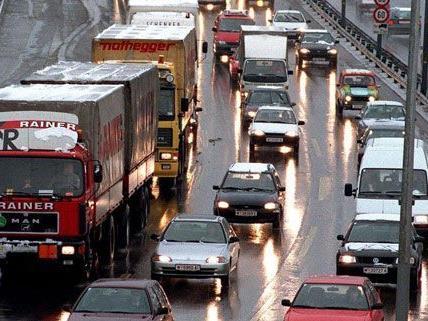 A1 nach Auffahrunfall im westlichen NÖ gesperrt - Staugefahr