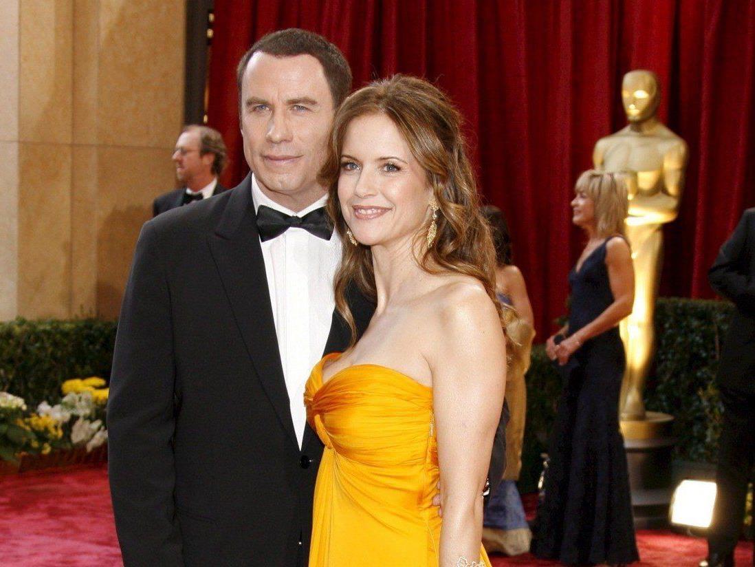 John Travolta ist bei den Oscars 2013 einer der prominenten Helfer.
