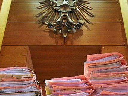 Ein Trio aus Serbien stand in Wiener Neustadt vor Gericht