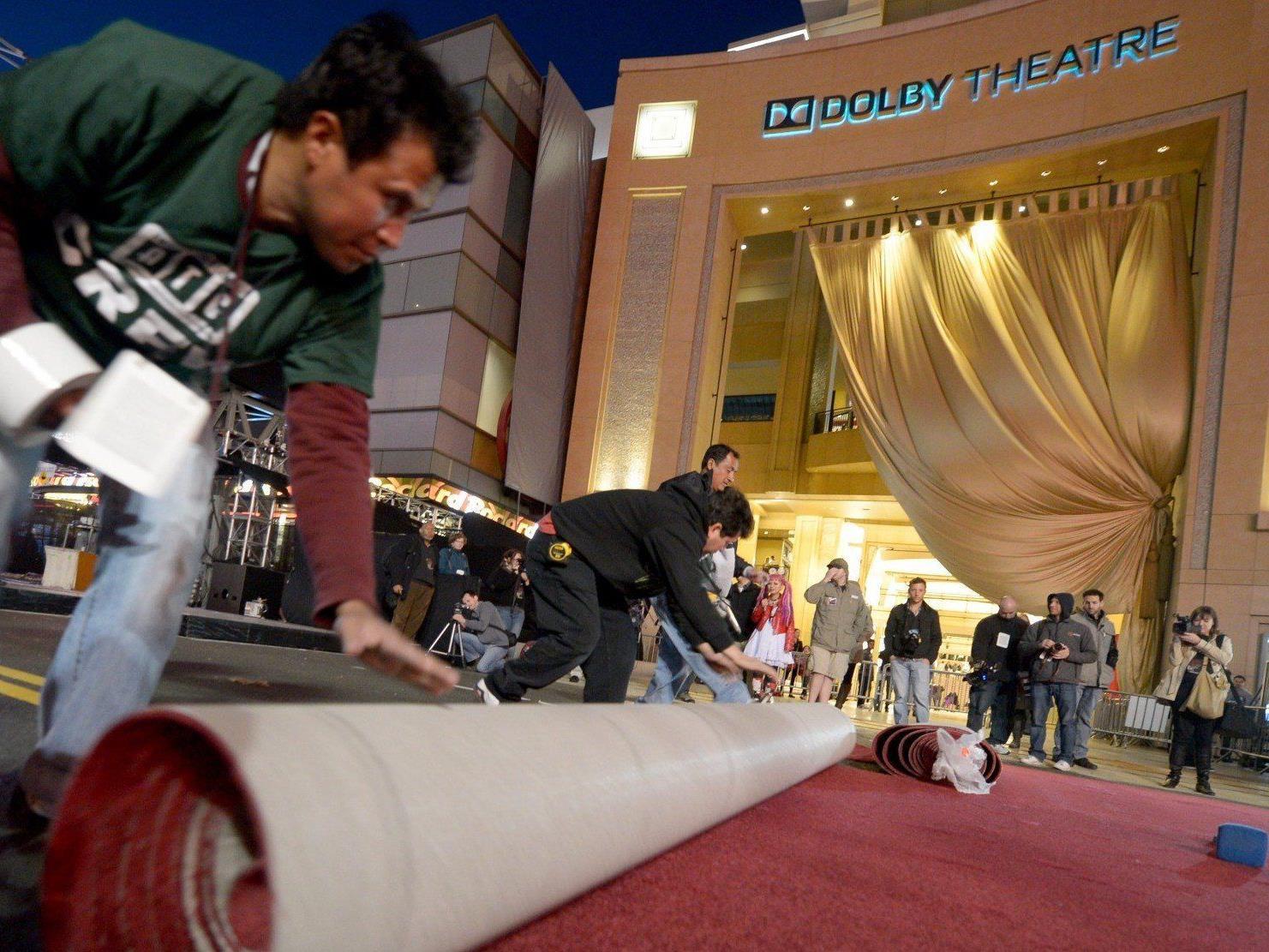 Vorbereitungen zu den Oscars: Der rote Teppich wurde bereits ausgerollt.
