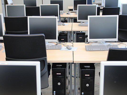 Einbrecher hatten es in einer Schule in Gänserndorf auf Computer abgesehen