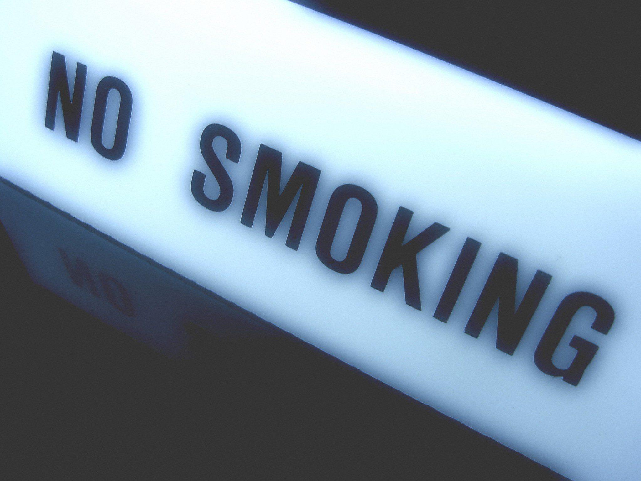 Ein schrittweiser Bann des Rauchens ist vorgesehen.