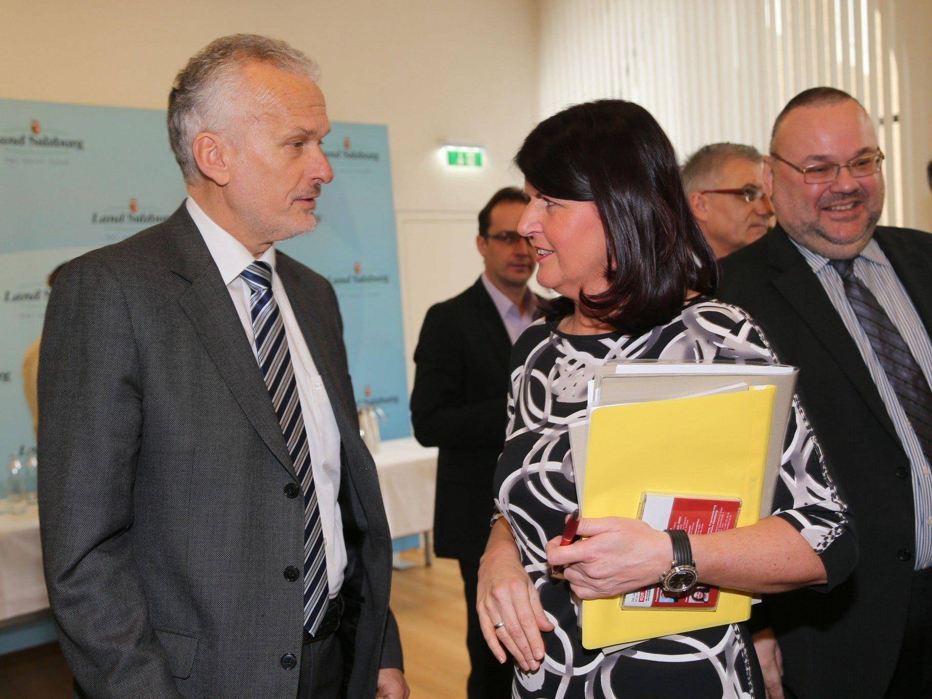 Die gesetzliche Basis für diesen Systemwechsel fand bei Rechnungshof-Präsident Moser (links im Bild) ein positives Echo.