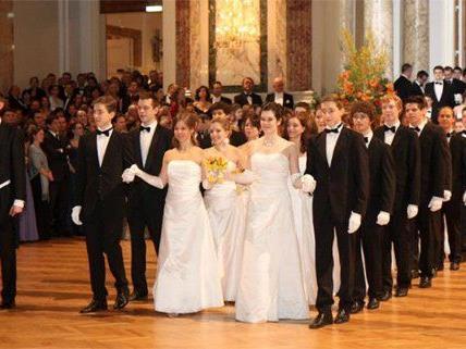 Der Ball der Wiener Wirtschaft 2013 fand auch heuer wieder in der Hofburg statt.