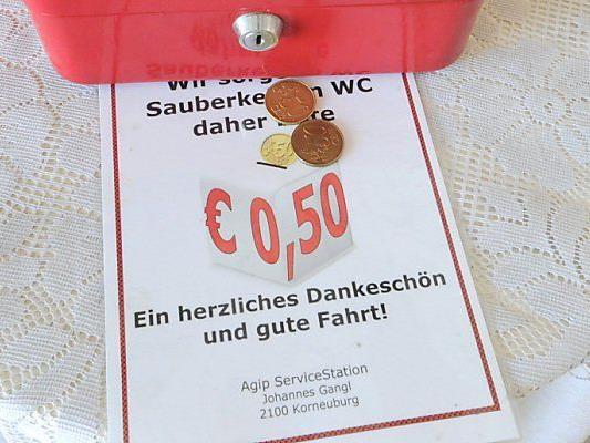 Für das stille Örtchen zahlt man auf Autobahntoilette zahlt man künftig 50 Cent.