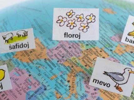 Die Kunstsprache Esperanto konnte sich nicht wirklich durchsetzen - und geflucht wird sowieso meist in der Muttersprache.