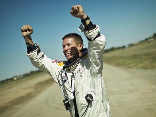 Zu den nun anerkannten Rekorden zählt die am 14. Oktober 2012 von Baumgartner erreichte Maximalgeschwindigkeit von Mach 1,25 oder exakt 1.357,6 Stundenkilometer.