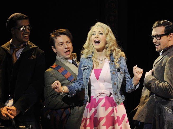 Natürlich blond: Elle Woods erobert jetzt die Bühnen Wiens.