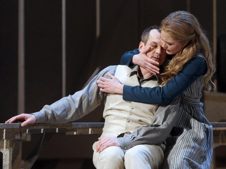 """Liebe, Tragik, Humor: Smetanas """"Die verkaufte Braut"""" in der Wiener Volksoper."""