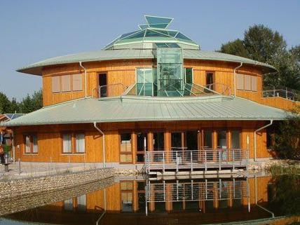 Das Nationalparkhaus bietet sich bei Ausflügen in die Lobau als Ausgangspunkt an.