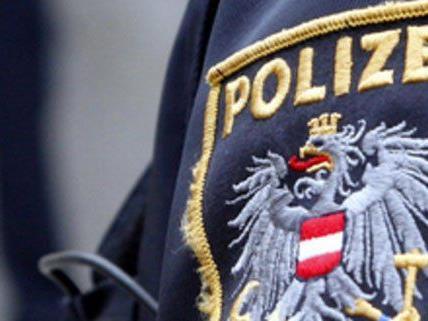Trickdiebe hatten sich in der Wiener City als Polizisten ausgegeben.