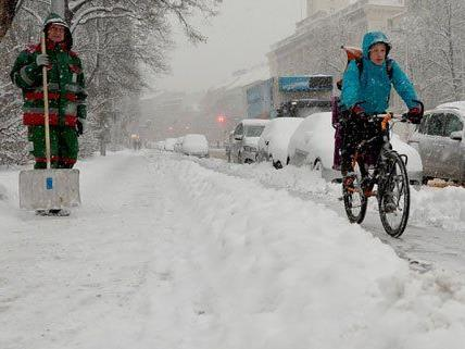 Es bleibt kalt in Wien, aber mit allzu viel Neuschnee ist nicht zu rechnen.