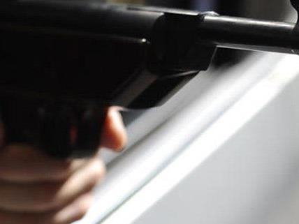 Ein 14-Jähriger hatte mit einer Softgun auf die Straße gezielt.