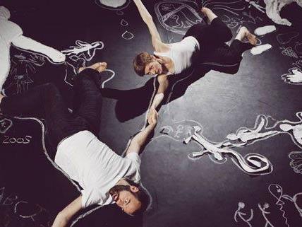 """""""Chalk about"""" heißt die Produktion des Tanzfestivals, aus der dieses Bild stammt."""