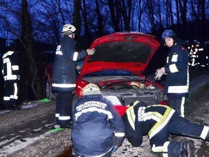 Eine Person wurde bei dem Unfall in Gloggnitz am Samstag verletzt.
