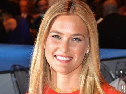 Fashion Awards mit Bar Refaeli in Wien
