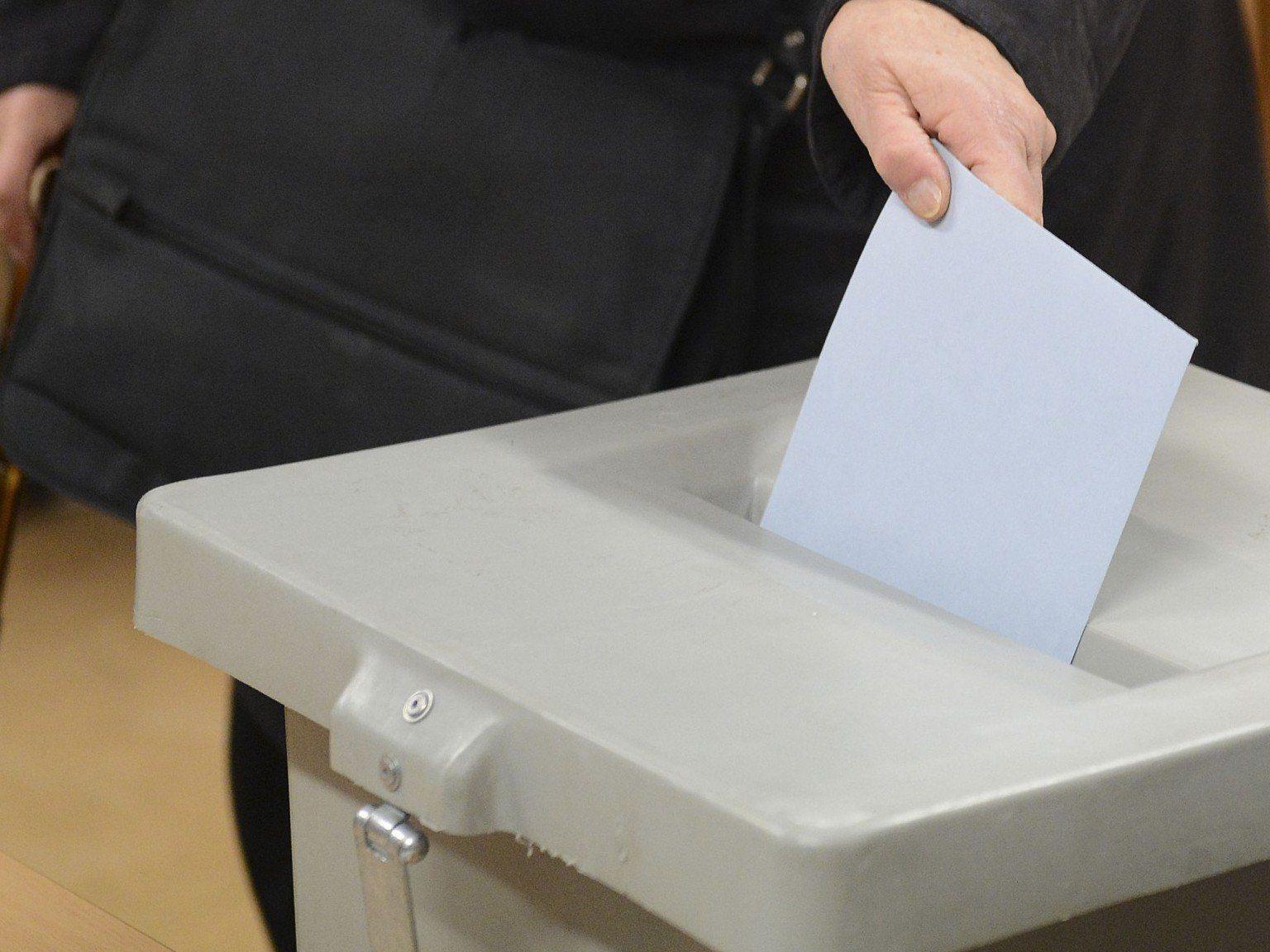 Das erste Ergebnis nach der Volksbefragung wird erst am 11. März verkündet.