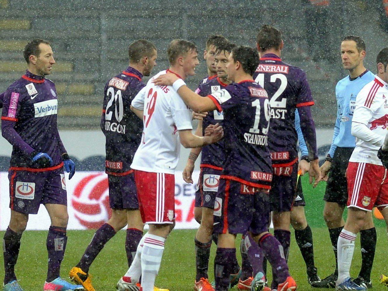 Trotz Unentschieden bleibt die Wiener Austria auf Titelkurs.